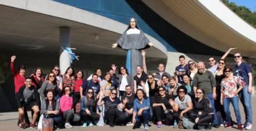 Colaboradores da Escola Medianeira visitam o Santuário Santa Paulina